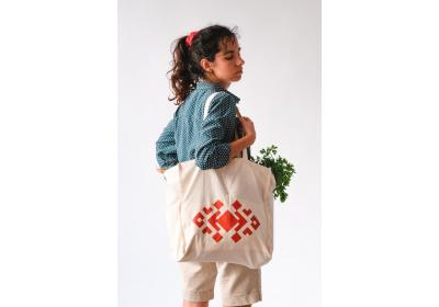 Tote bag with Tribal Print, Ethical Shopping, 6 Internal Pockets, For Urban Adventures, Grocery shopping