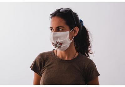 A set of 3 embroidered face masks; anti-allergic cotton textile (use for protection in public areas).